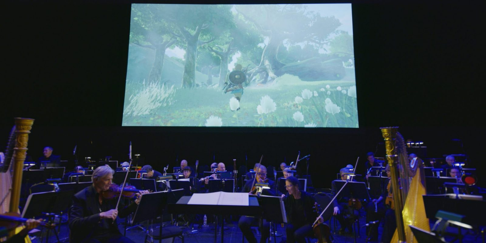 Zelda orchestra with screen